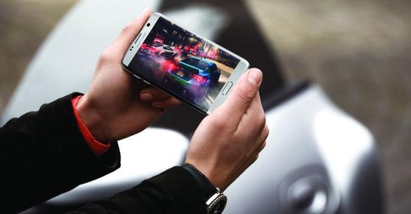 Samsung-Galaxy-S7-Edge-240fps